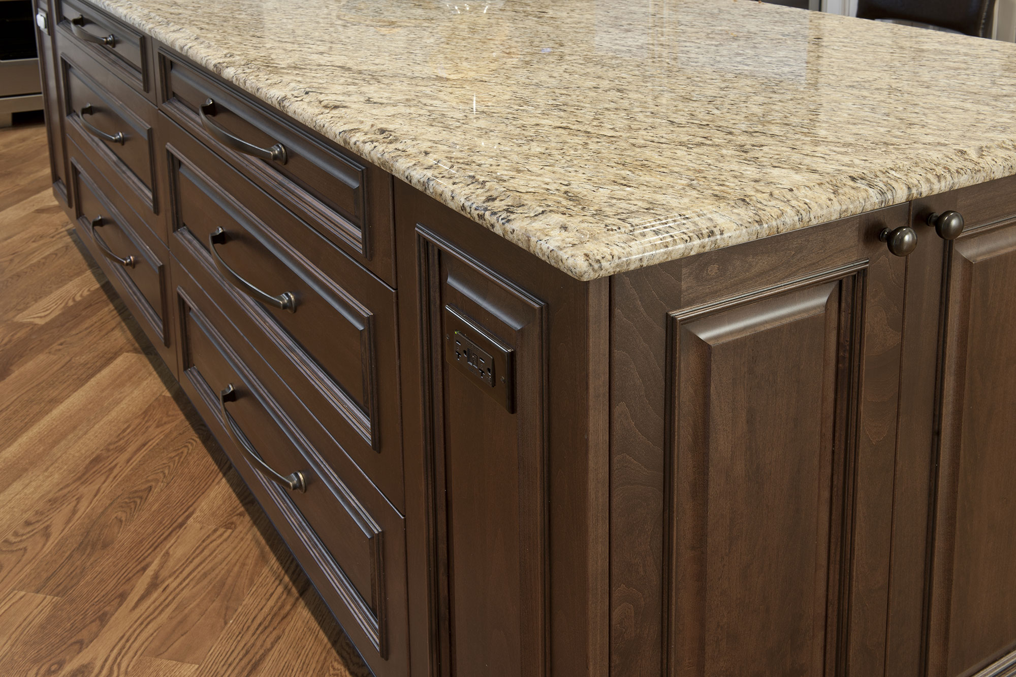 Kitchen cabinets south surrey bc for Kitchen cabinets surrey